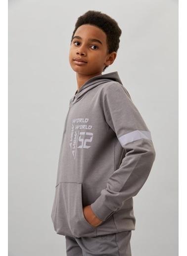 Defacto –Fit Erkek Çocuk Kapüşonlu Baskılı Sweatshirt Gri